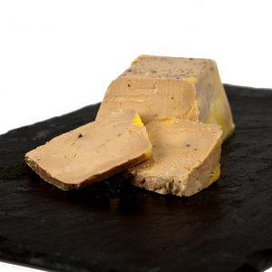 Terrine de foie gras mi-cuit et spécialité